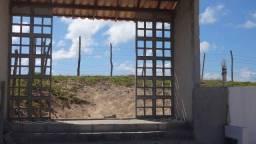 Casa terrea com 70 m2 em condomínio Fechado de frente a praia em Porto de Sauípe (Bahia)