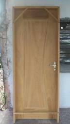 Portas,camas,mesas,tudo em madeira sob encomenda!!!!
