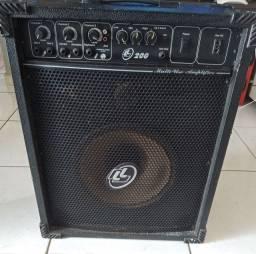Vendo caixa de som amplificada valor 200.00