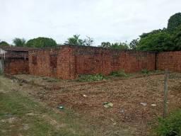Vendo terreno + casa em construção em Mosqueiro