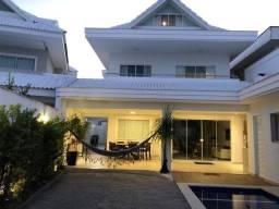 Casa Triplex com 5 Quartos - 370m² - Condomínio Fechado - Mobiliada