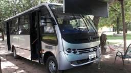 Micro onibus. vendo x troco.fone:996774004 - 2003