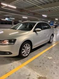 Volkswagen Jetta 2012 2.0 Comfortline Flex 4p Tiptronic Carro Extra - 2012