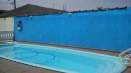 Casa de temporada com piscina e churrasqueira - Mongagua