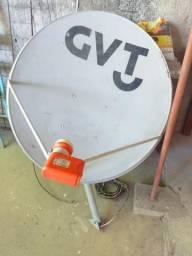 Antena com o lnb grande com cabo e distribuição para outra