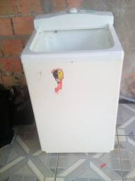 Vendo Urgente máquina de lavar 10 kg  por $180