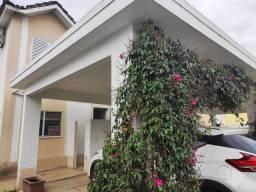 Linda casa em condominio com 3 quartos sendo 1 suíte  ,Resende- RJ