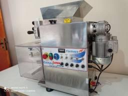 Máquina de fazer Salgados - Freezer 540 L - Masseira 22 L