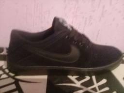 tênis Nike novo na cx