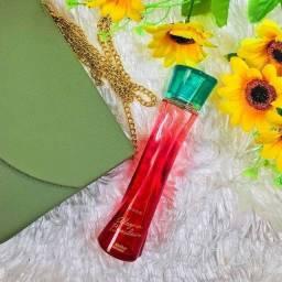Mulher e poesia, perfume Alegria brasileira
