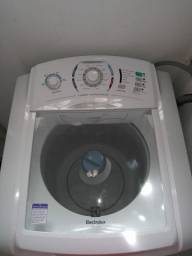Máquina de lavar nova