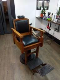 Raridade! Cadeira de barbeiro antiga, 100 anos