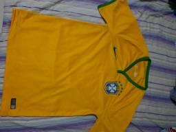 Camisa da seleção brasileira 2014, Tamanho P.