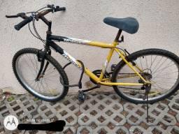 Bicicleta Monark 18 marchas bem conservada
