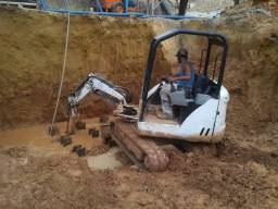 Bobcat carregadeira escavadeira