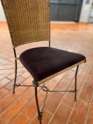 Cadeira em Ferro com Fibra