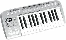 Teclado controlador MiDi Behringer UMX 25