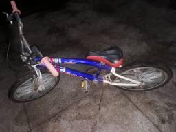 Bicicleta aro 20 pequena