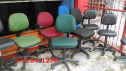 cadeira com rodinhas modelo secretaria a partir de 160,00