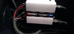 Caixa de som celada   com potência e aparelho da Pioneer e todos fios de instalação