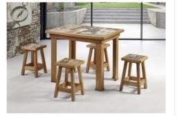 Mesa vintage em madeira maciça para área de churrasqueira