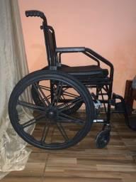 Cadeira de rodas nunca usada