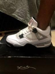 Tênis Nike Air Jordan 4 branco Luxe Edition seminovo