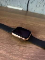 Troco por series 3 42m preto. Apple Watch series 4 44m Gold