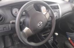 May carro Nissan livina 1.6 manual