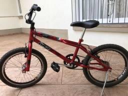 Linda Bicicleta aro 20 infantil estado de nova