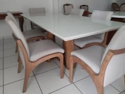 Mesa com tampo de vidro laqueado + 6 cadeiras modelo Sabrina