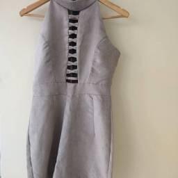 vestido tecido de camurça