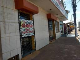 Aluga área comercial na Av. Farquar- Próximo ao CPA