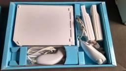 Nintendo Wii + 2 controles + 2 nunchuks + wii fit + jogos