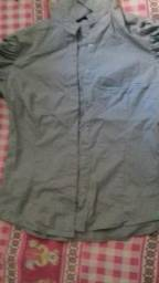 Vendo essa blusa nova de marca 10 reais comprei e não gostei