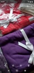 Título do anúncio: Mantas NOVAS  vermelha, roxa