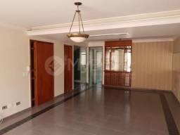 Casa sobrado com 6 quartos - Bairro Setor Bueno em Goiânia