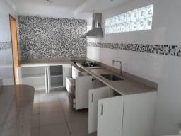 Alugo Apartamento em Itaguaçu