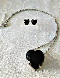 Colar e Brinco Conjunto Coração Negro