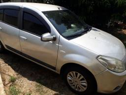 Vendo ou troco Renault Sandero Privilege 1.6 2012 automático gnv