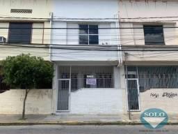 Sobrado com 3 dormitórios e quintal, na avenida Rangel Pestana