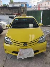 Título do anúncio: Taxi Toyota etio do shopping