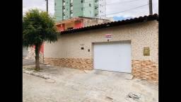 Alugo casa 3 quartos / Caruaru