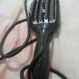 Escova alisadora conair e prancha taiff