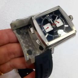 Relógio TAG heuer modelo Mônaco