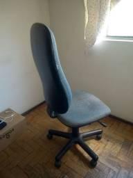 Cadeira para estudos/trabalho