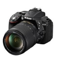 Nikon D5300 + lente 18-55mm
