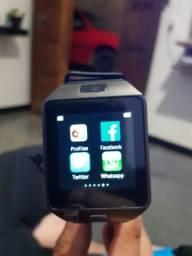 Relógio smartwatch Android.