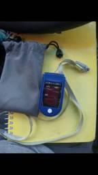 Oxímetro digital. Medidor de oxigênio no sangue