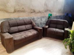 Conjunto sofá 2 e 3 lugares (reformado, equivalente a novo)